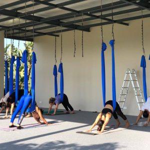 cours-yoga-aerien-retraite-maroc-airyoga-massage-spa-ksarmassa-meditation-asana-yoga-hamac-bienfait-chakra-weekend-casablanca