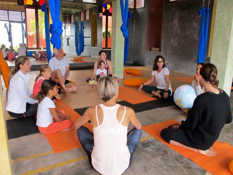 cours-yoga-aerien-retraite-maroc-airyoga-massage-spa-ksarmassa-meditation-juillet-2019-sud-maroc
