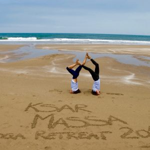 cours-yoga-aerien-retraite-maroc-airyoga-massage-spa-ksarmassa-meditation-asana-yoga-hamac-bienfait-chakra-retraite-agadir-maroc-casablanca-love