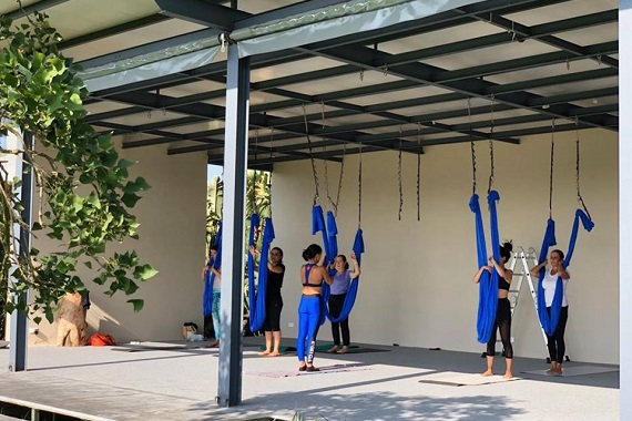 cours-yoga-aerien-retraite-maroc-airyoga-massage-spa-ksarmassa-meditation-asana-yoga-hamac-bienfait-chakra-weekend-casablanca-570
