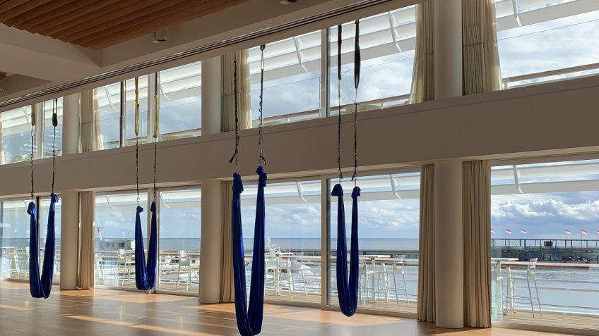cours-yoga-aerien-retraite-maroc-airyoga-massage-spa-ksarmassa-meditation-asana-yoga-hamac-bienfait-chakra-retraite-agadir-maroc-casablanca-love-monaco